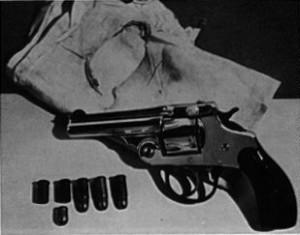pic4-gun-hanky